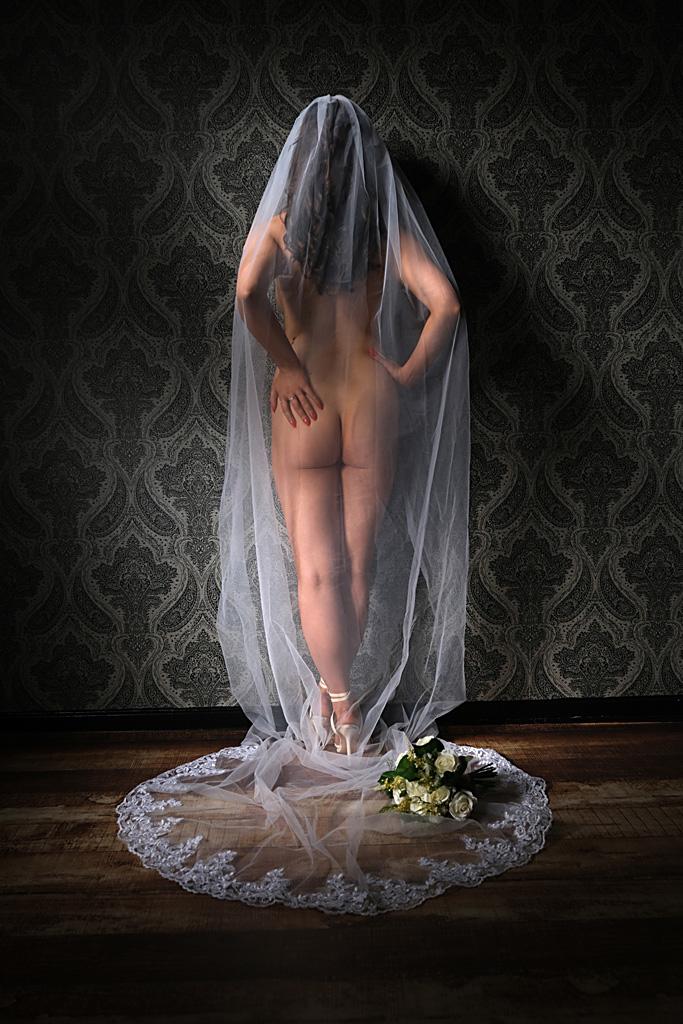 bridal-boudoir-photography-herefordshire